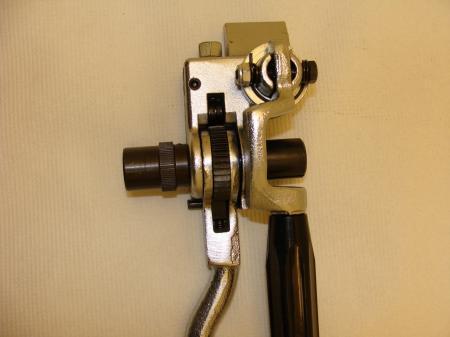 https://vhcorp.com.vn/upload/images/K%C3%ACm%20xi%E1%BA%BFt%20%C4%91ai%20inox/C40099/kim-xiet-dai-Band-It-c40099-2.jpg